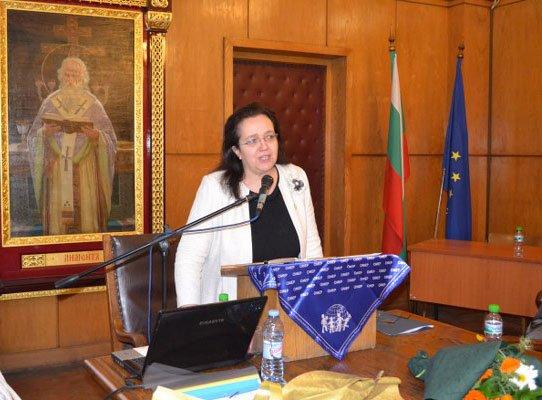 Доц. д-р Елиза Стефанова